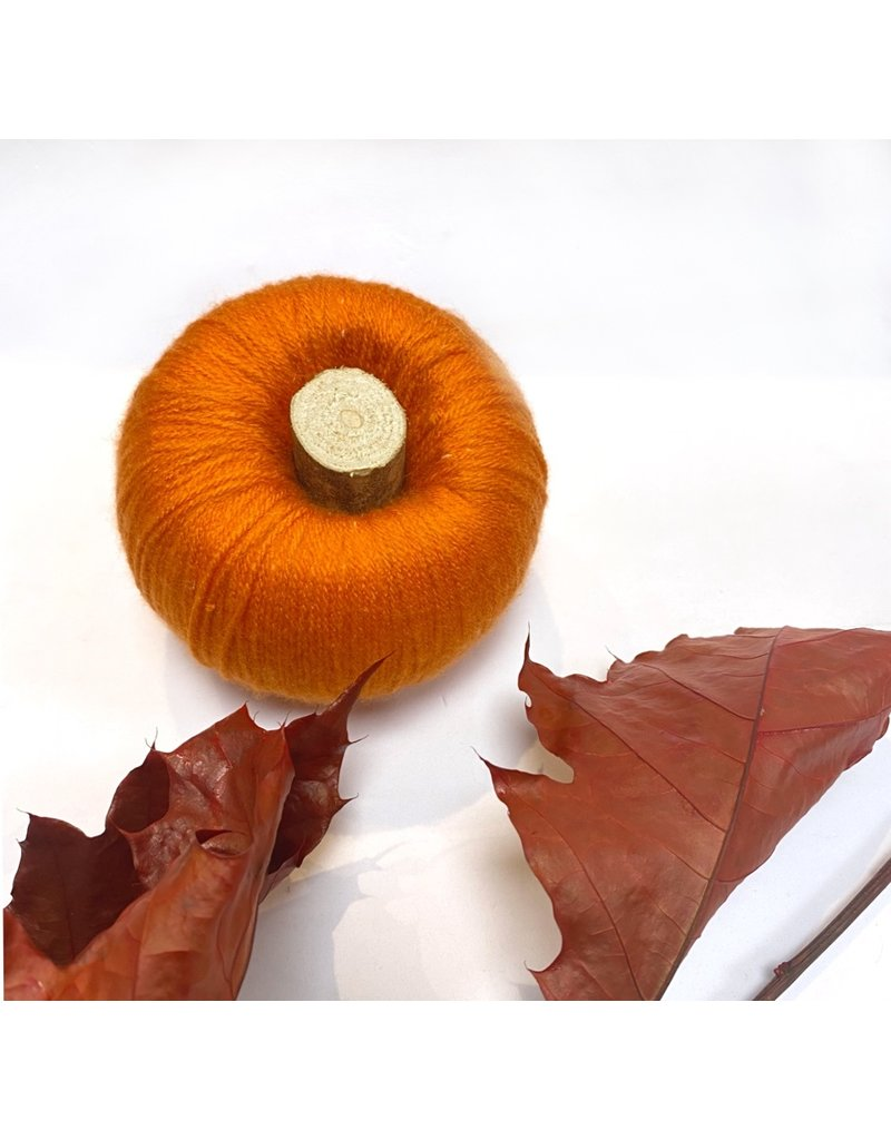 Honeysuckle Crafts Yarn Pumpkins