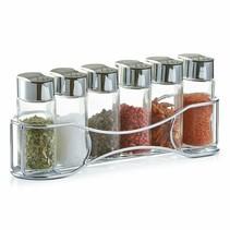 Krydderihylde med krukker