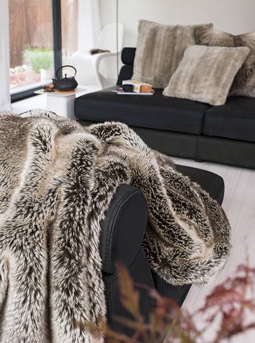 Imitatiebont Plaid Wolf.Luxe Imitatiebont Plaid Yukonwolf Home Chic Home