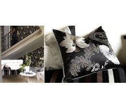 Designers Guild Ariana Zwart-wit Kussen