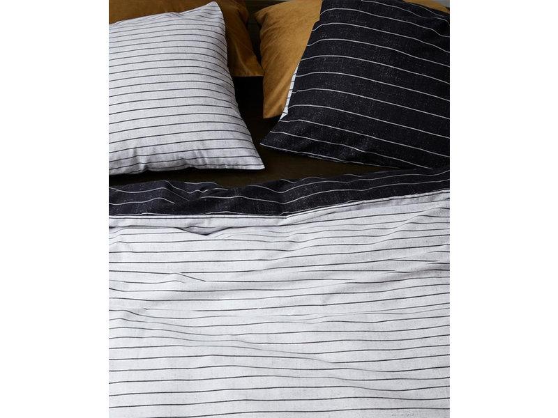 At Home At Home by Beddinghouse dekbedovertrek Notes (Black/White)
