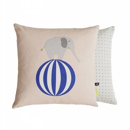 OYOY elephant cushion 40x40
