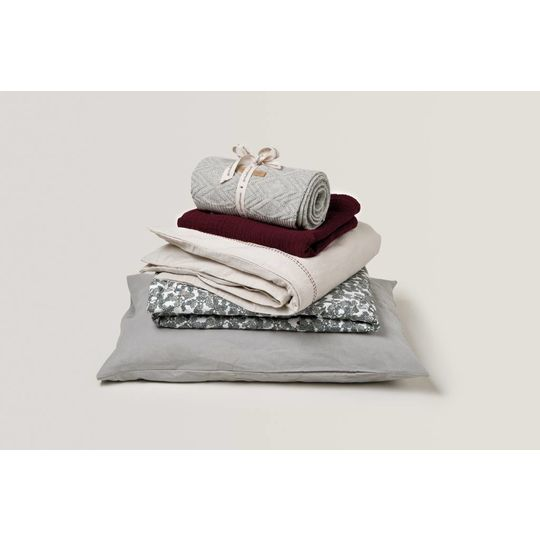 garbo&friends burgundy red muslin dekentje met vulling 100x140