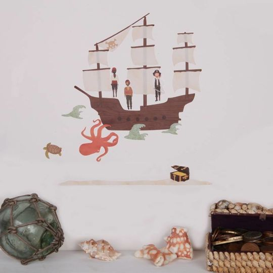 love mae mini pirate ship