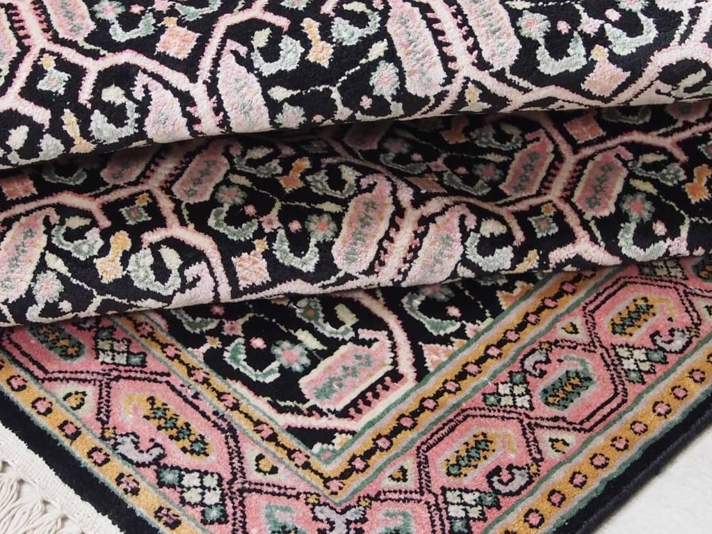 110x97 cm Kashmirseide Teppich Nr:88