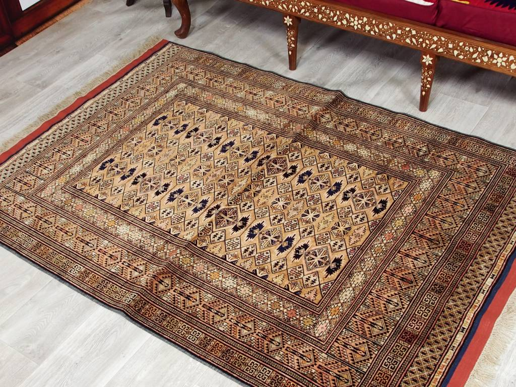 185x125 cm  Seiden Teppich aus Afghanistan Nr:86
