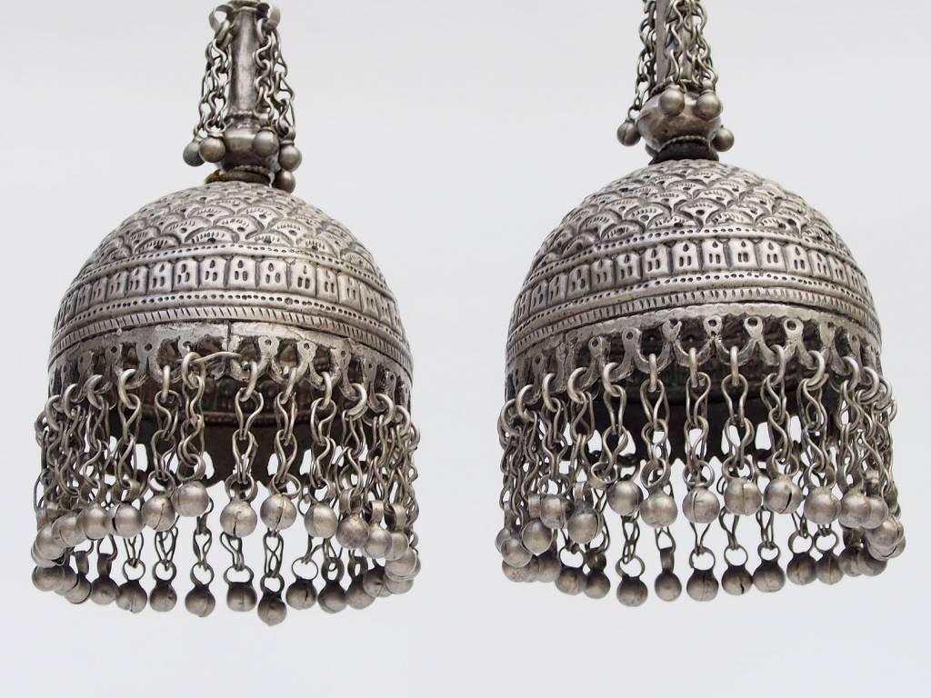 ein Paar antik nomaden Schläfen-Anhänger Ohrringe Afghanistan Belutschistan
