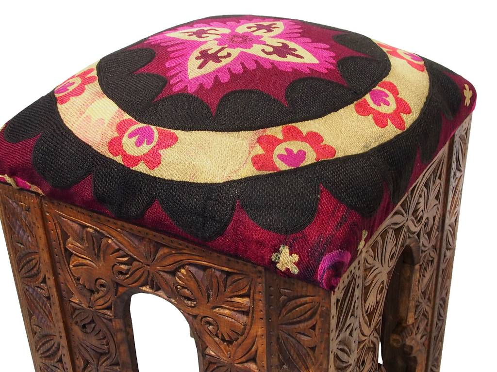 antik-look hand carved wooden vintage suzani Stoll chair from Afghanistan No: