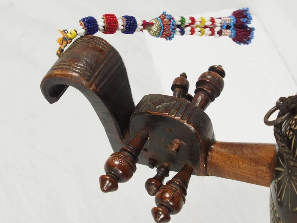 orient exotic musical instrument  India afghanistan and pakistan Sarinda Ghichak HH/1