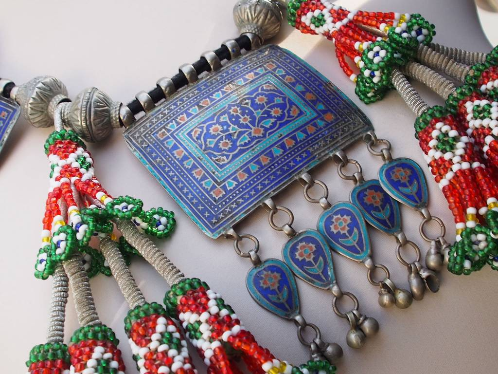antique Multan enamelled necklace 18/2