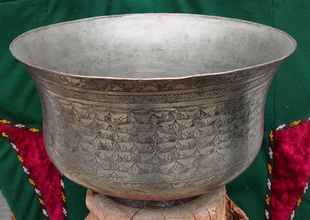 Antique Large islamic  18th to 19th century Tinned Copper Bowl No:Jam/ 38