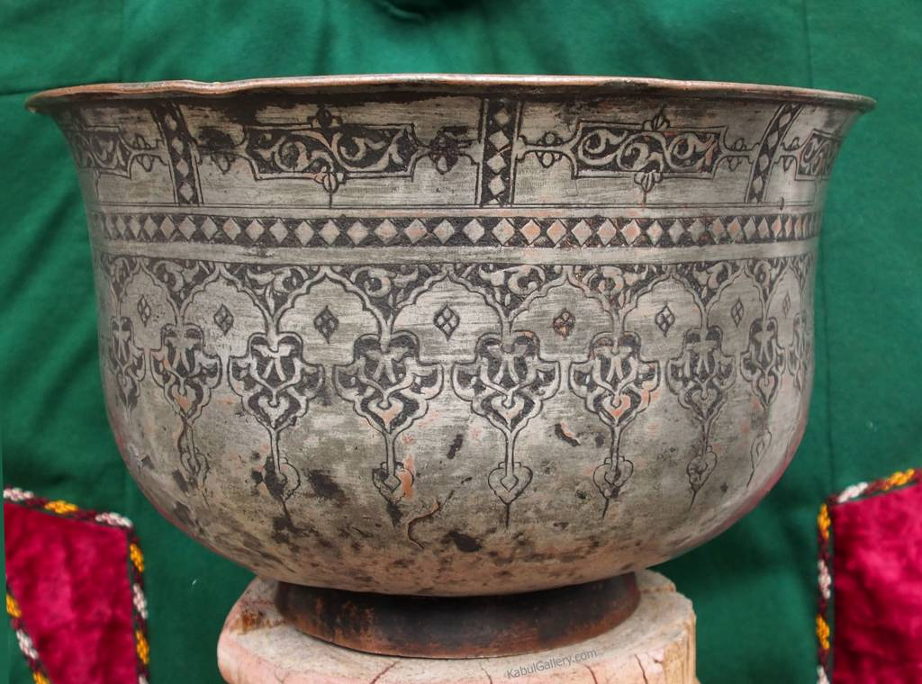 Antique Large islamic  18th to 19th century Tinned Copper Bowl No:Jam/39