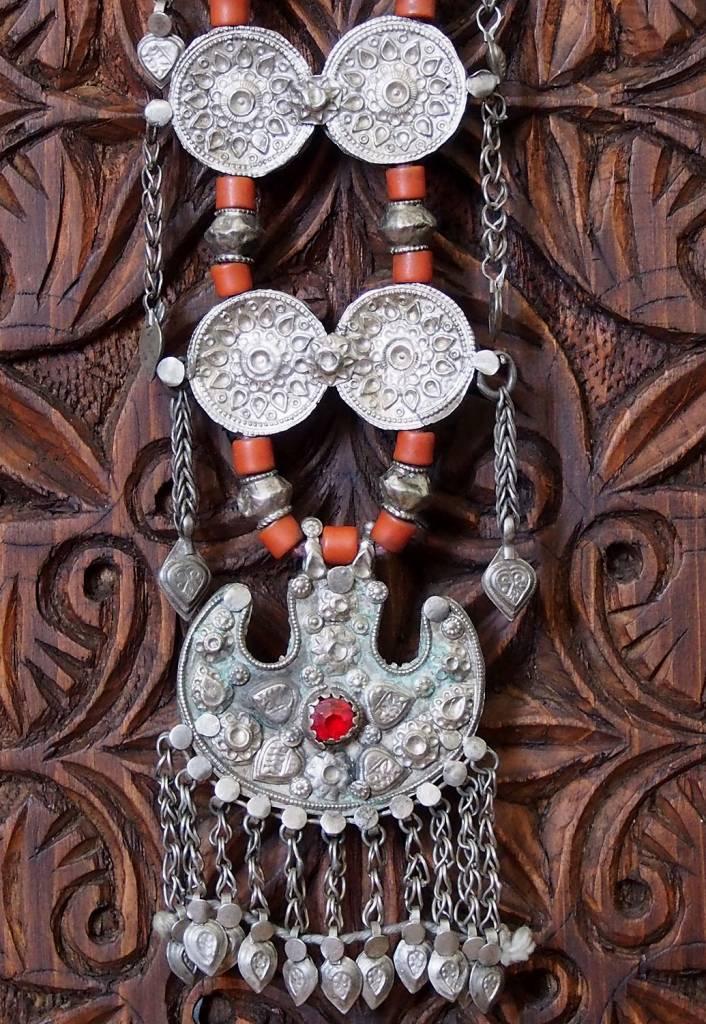 Antike sehr lange Nomaden Silber Halsmomente Kette Anhänger Quast Nuristan Swat Valley Afghanistan pakistan No:18/A