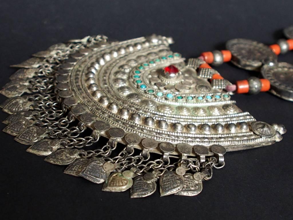 Antike sehr lange Nomaden Silber Halsmomente Kette Anhänger Quast Nuristan Swat Valley Afghanistan pakistan No:18/C