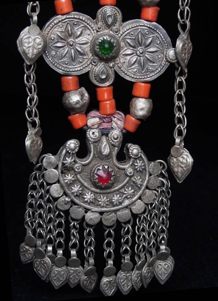 Antike sehr lange Nomaden Silber Halsmomente Kette Anhänger Quast Nuristan Swat Valley Afghanistan pakistan No:18/E