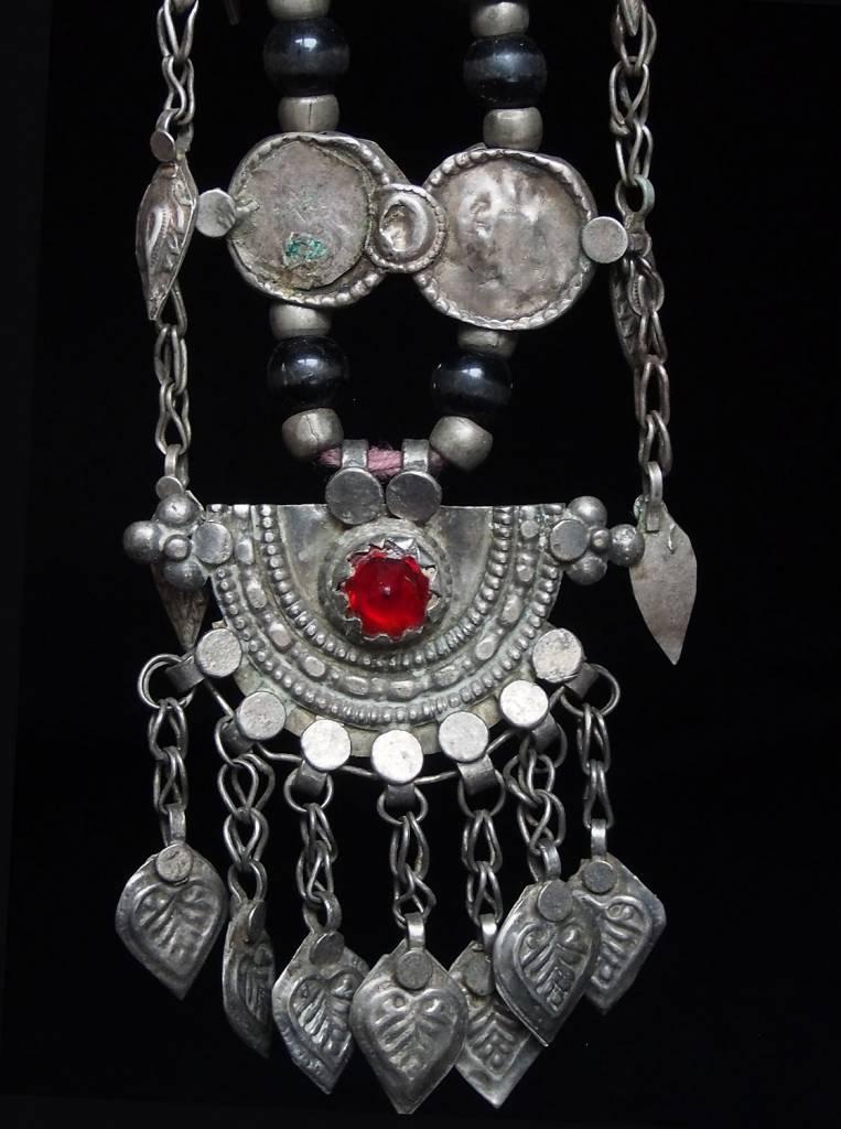 Antike sehr lange Nomaden Silber Halsmomente Kette Anhänger Quast Nuristan Swat Valley Afghanistan pakistan No:18/F