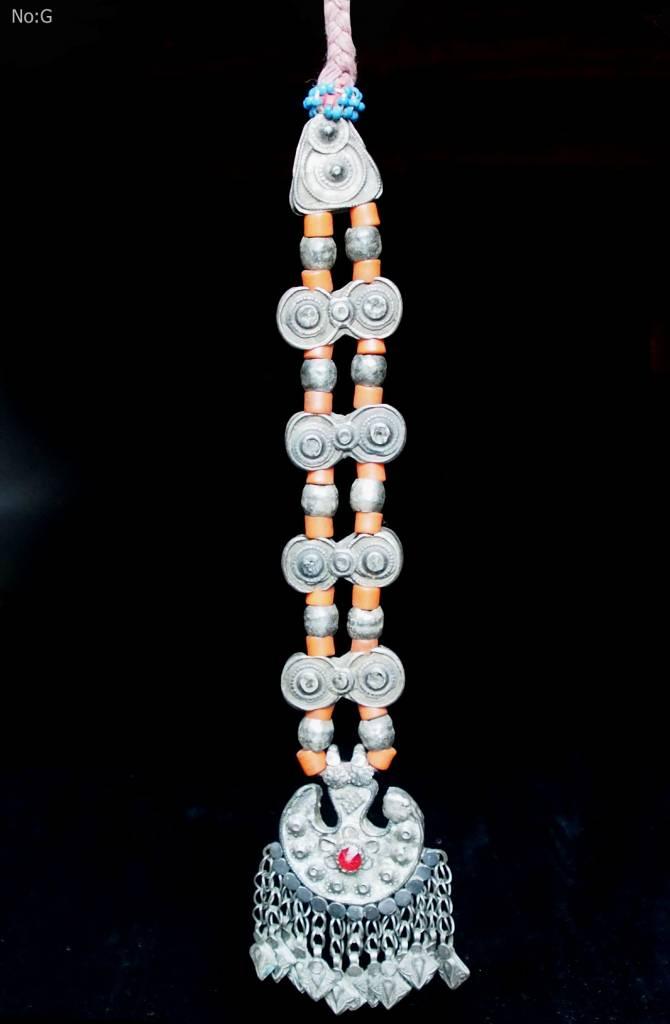 Antike sehr lange Nomaden Silber Halsmomente Kette Anhänger Quast Nuristan Swat Valley Afghanistan pakistan No:18/G