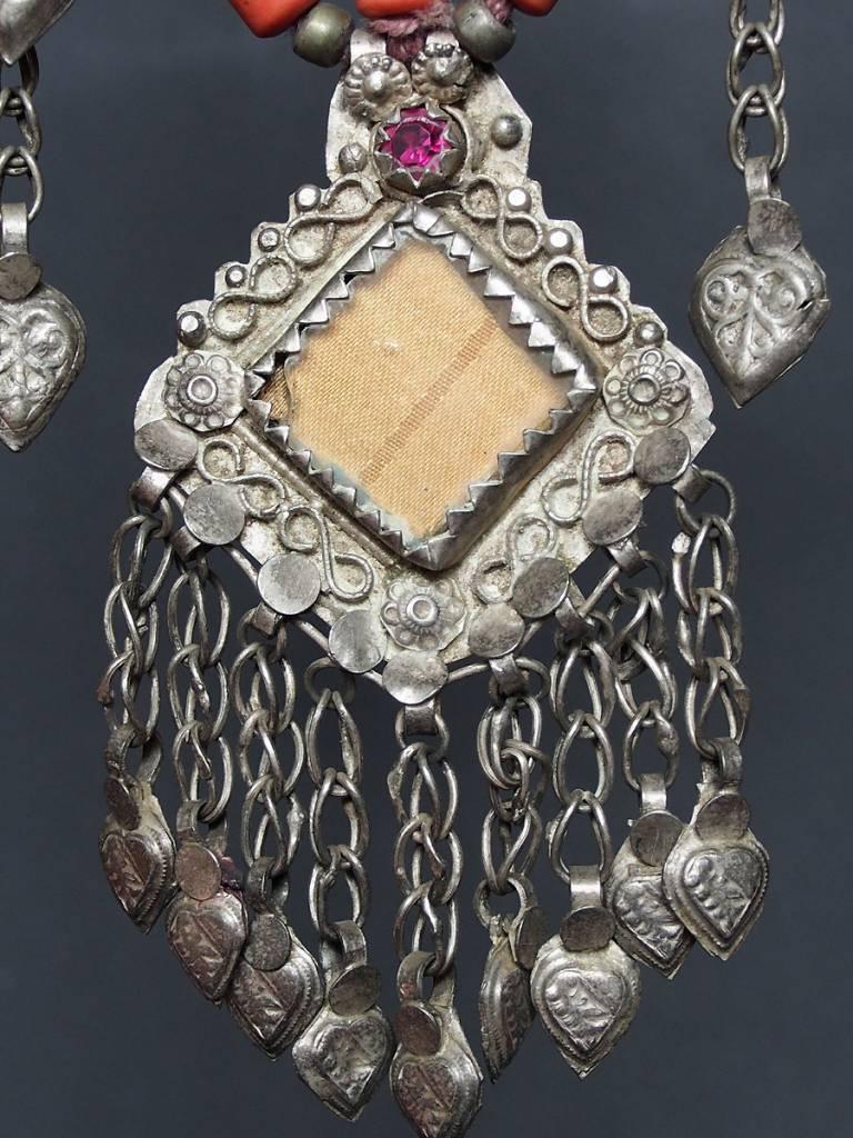 Antike sehr lange Nomaden Silber Halsmomente Kette Anhänger Quast Nuristan Swat Valley Afghanistan pakistan No:18/J