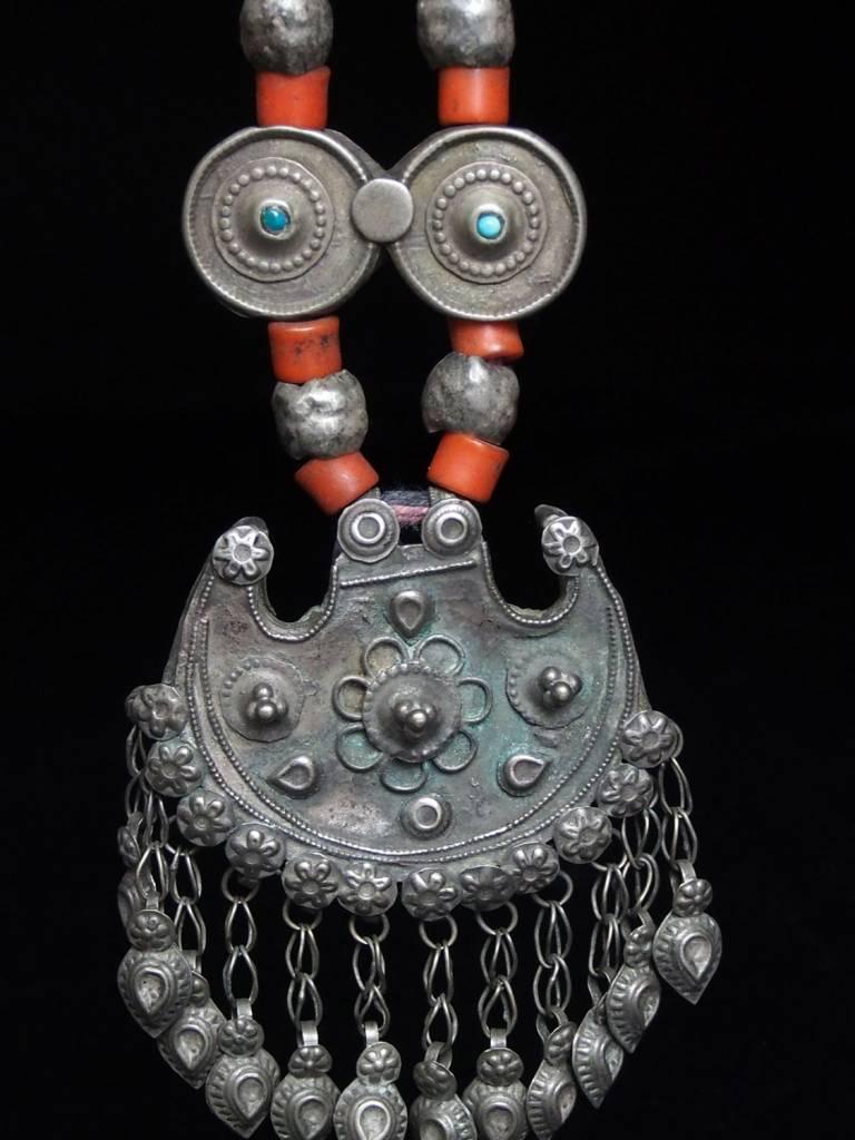 Antike sehr lange Nomaden Silber Halsmomente Kette Anhänger Quast Nuristan Swat Valley Afghanistan pakistan No:18/L