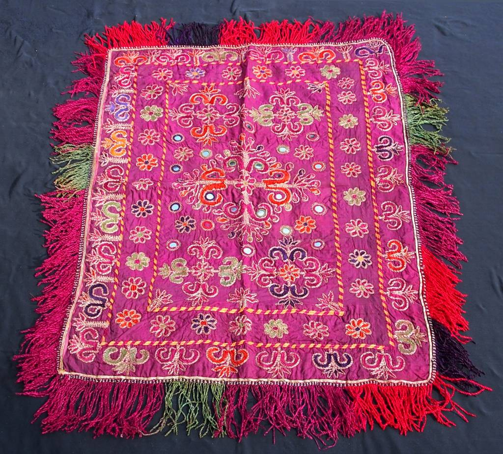 antique  Katawaz  silk embroidery  Tray cloth No:18/8
