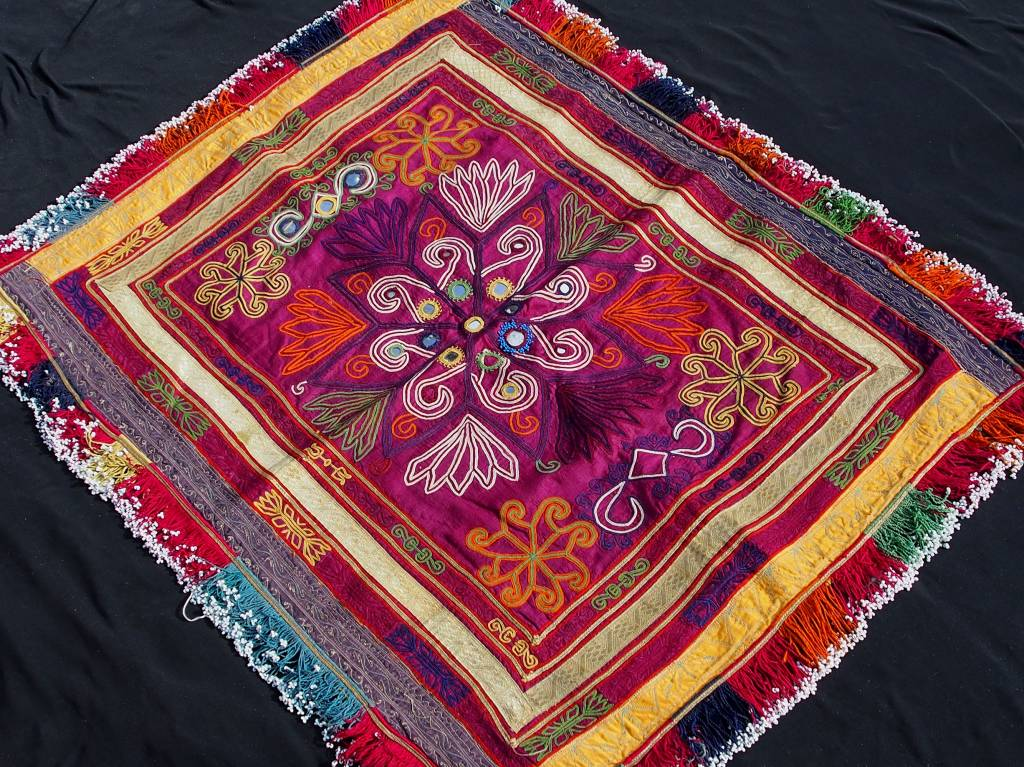 antique  Katawaz  silk embroidery  Tray cloth No:18/20