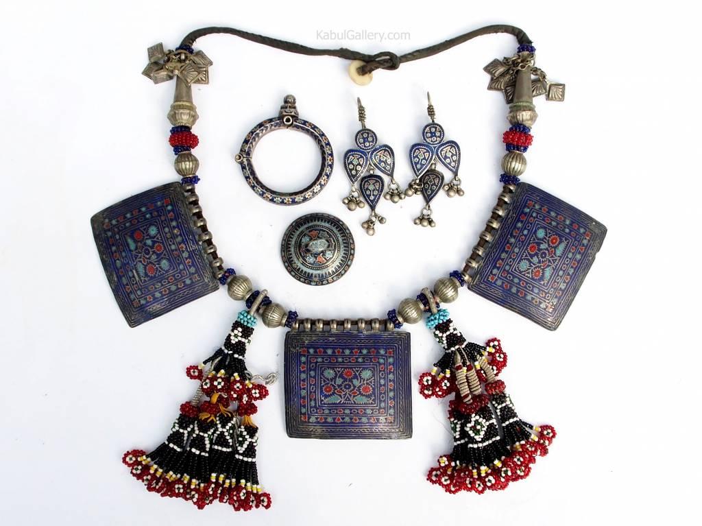 antique Multan enamelled Jewellery set ( necklace, Earrings, bracelet and ring) 18/9