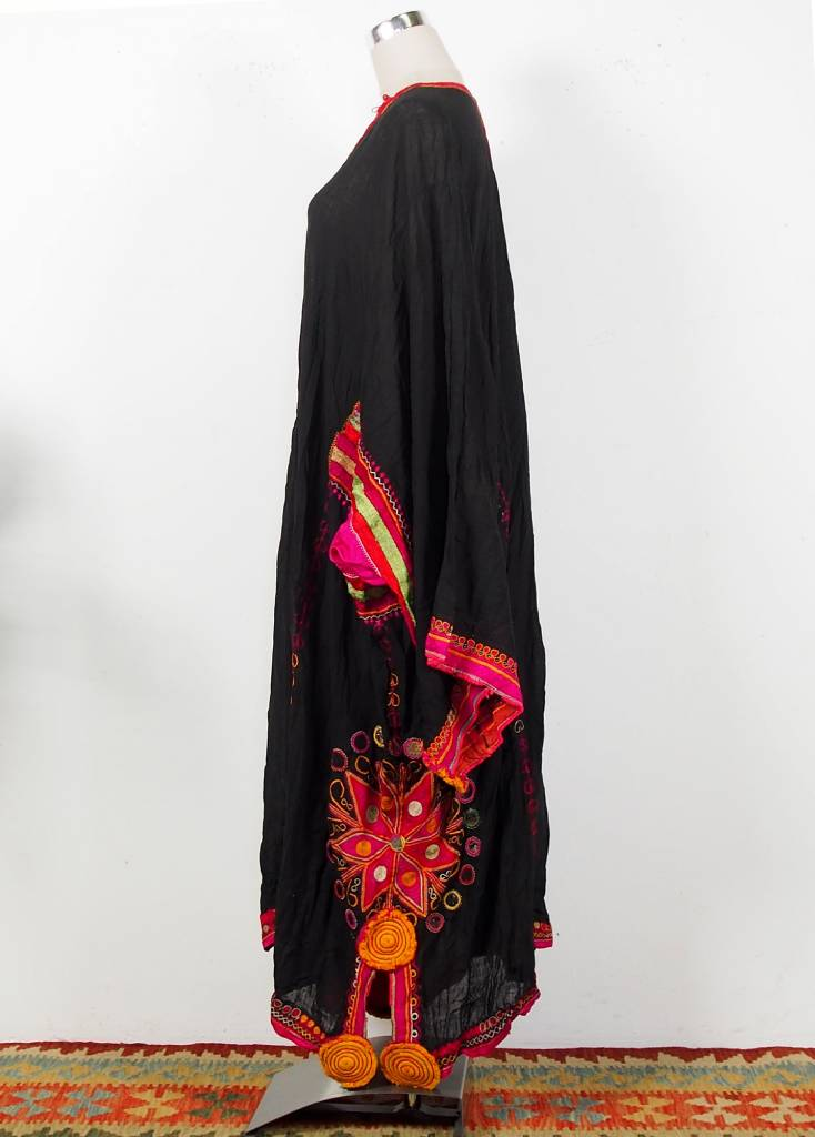 antique Banjara Woman's embroidered Dress Sindh Pakistan18/ 3