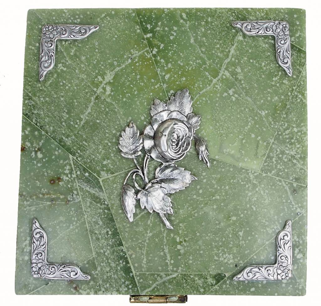 Hand Crafted olive green Jade Gemstone box Candy Dish from Afghanistan. 18/1