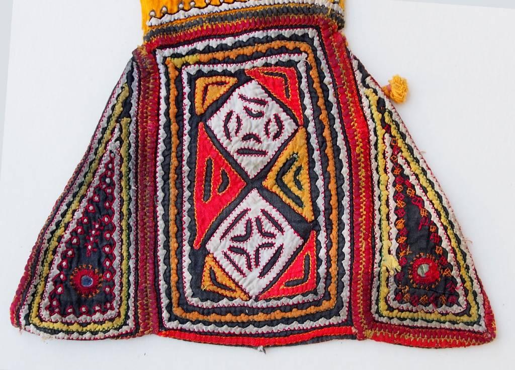 antik und Reich bestickte Banjara Sindh Region Stickerei aus Pakistan. Nr:C