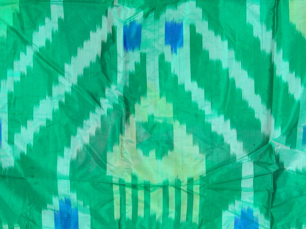 Antike Ikat Kleid aus Usbekistan No:18/29