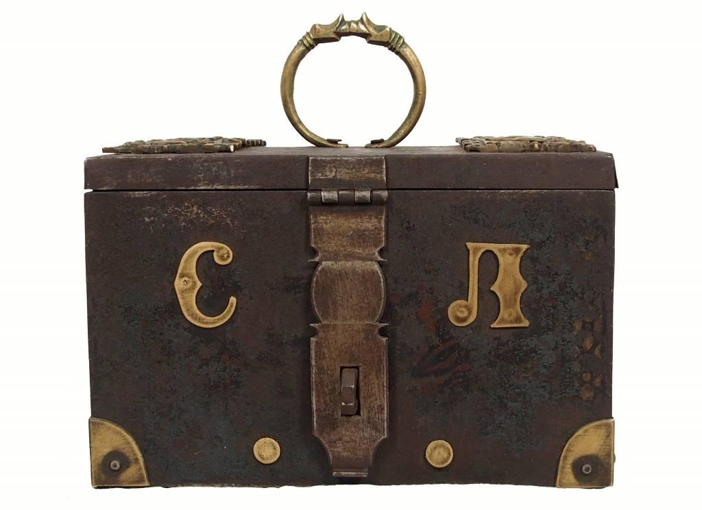 Antike Kasse Truhe Tresor Safe Geldschrank Russland antique strongbox cash box 18/A
