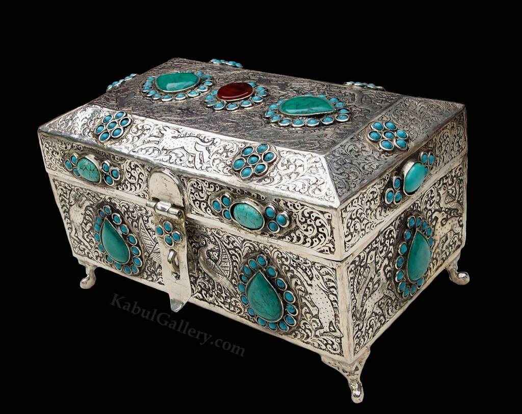Extravagant oriental nickel silver box jewelry box casket decorated with turquoise and carnelian