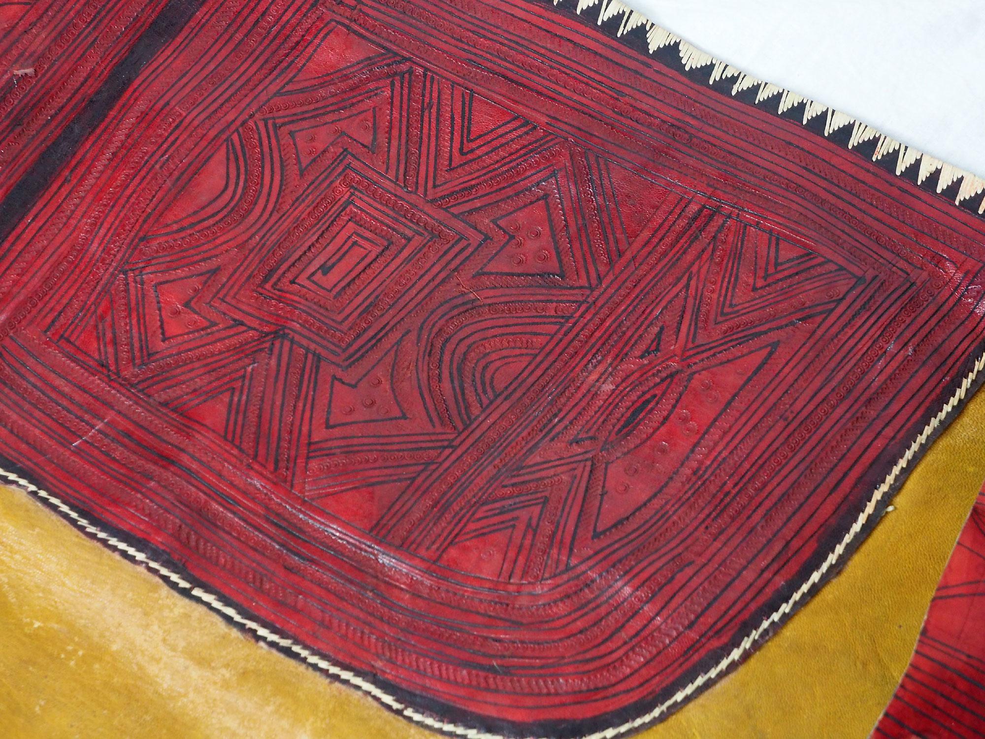 antique huge Tuareg people Leather Bag (L)