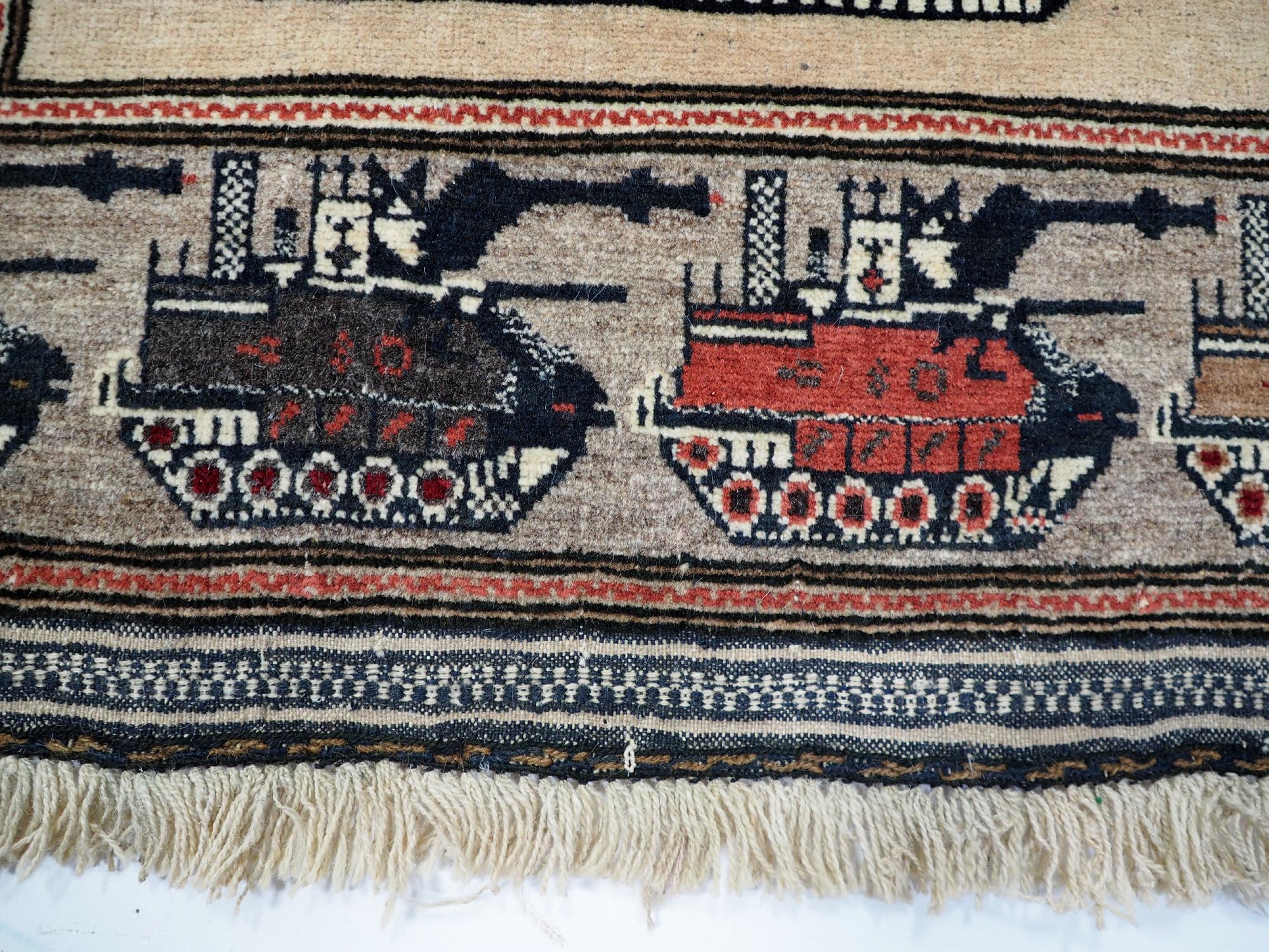 Afghan Kriegteppich Handgeknüpf Teppich Afghanistan panzer kampfjet gewehr USA Army Nato ISAF war rug Nr:19/ 28