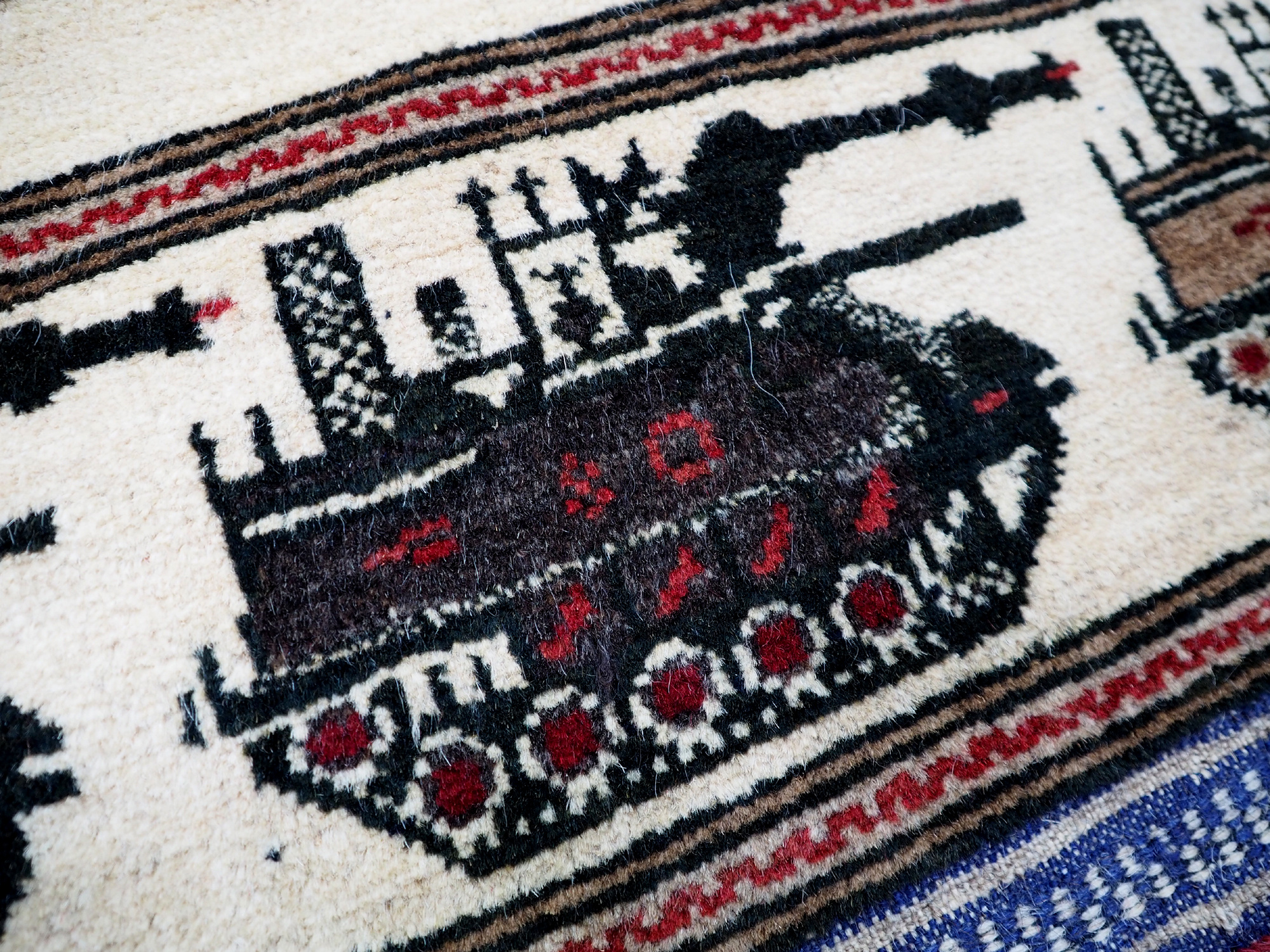 Afghan Kriegteppich Handgeknüpf Teppich Afghanistan panzer kampfjet gewehr USA Army Nato ISAF war rug Nr:19/ 29