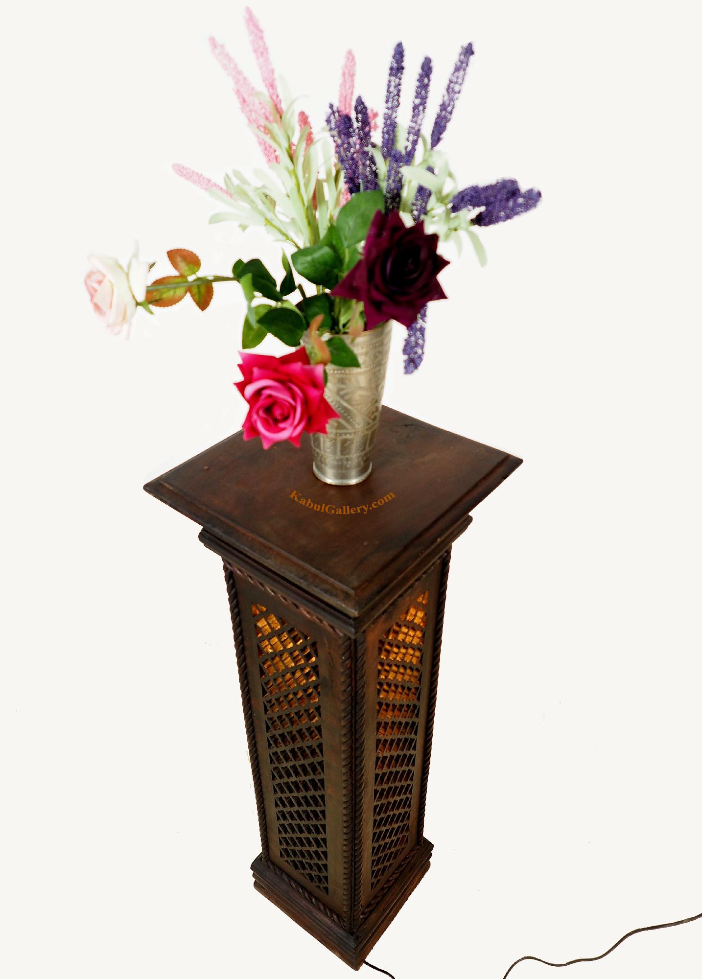 Blumensäule Hochtisch Podest beleuchtet
