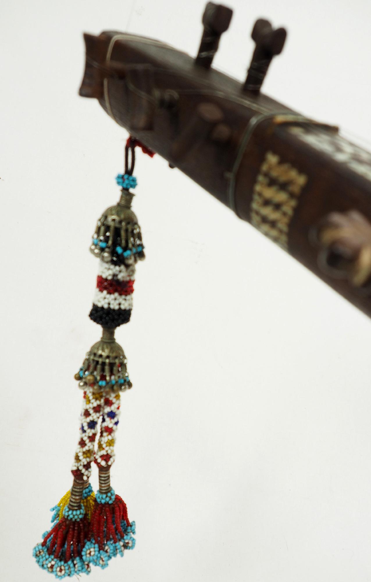 antik exotische traditionelle Volksmusikinstrument Afghanistan Tambur Tanbur tanboor Afghan Langhalslaute تنبور Nr-20/ A