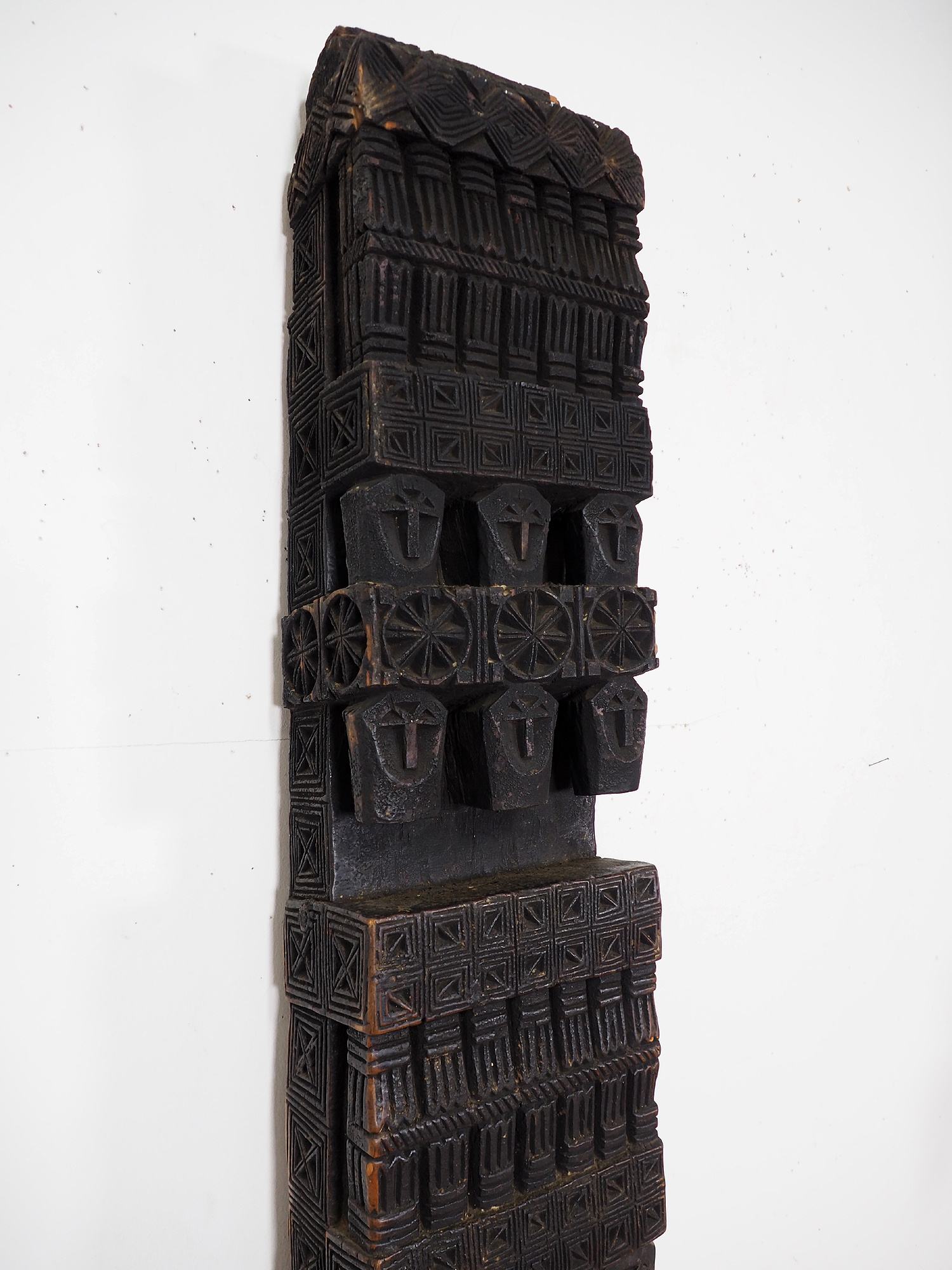 antique orient solid hand-carved wooden Pillar column from Nuristan Afghanistan  (ULM)