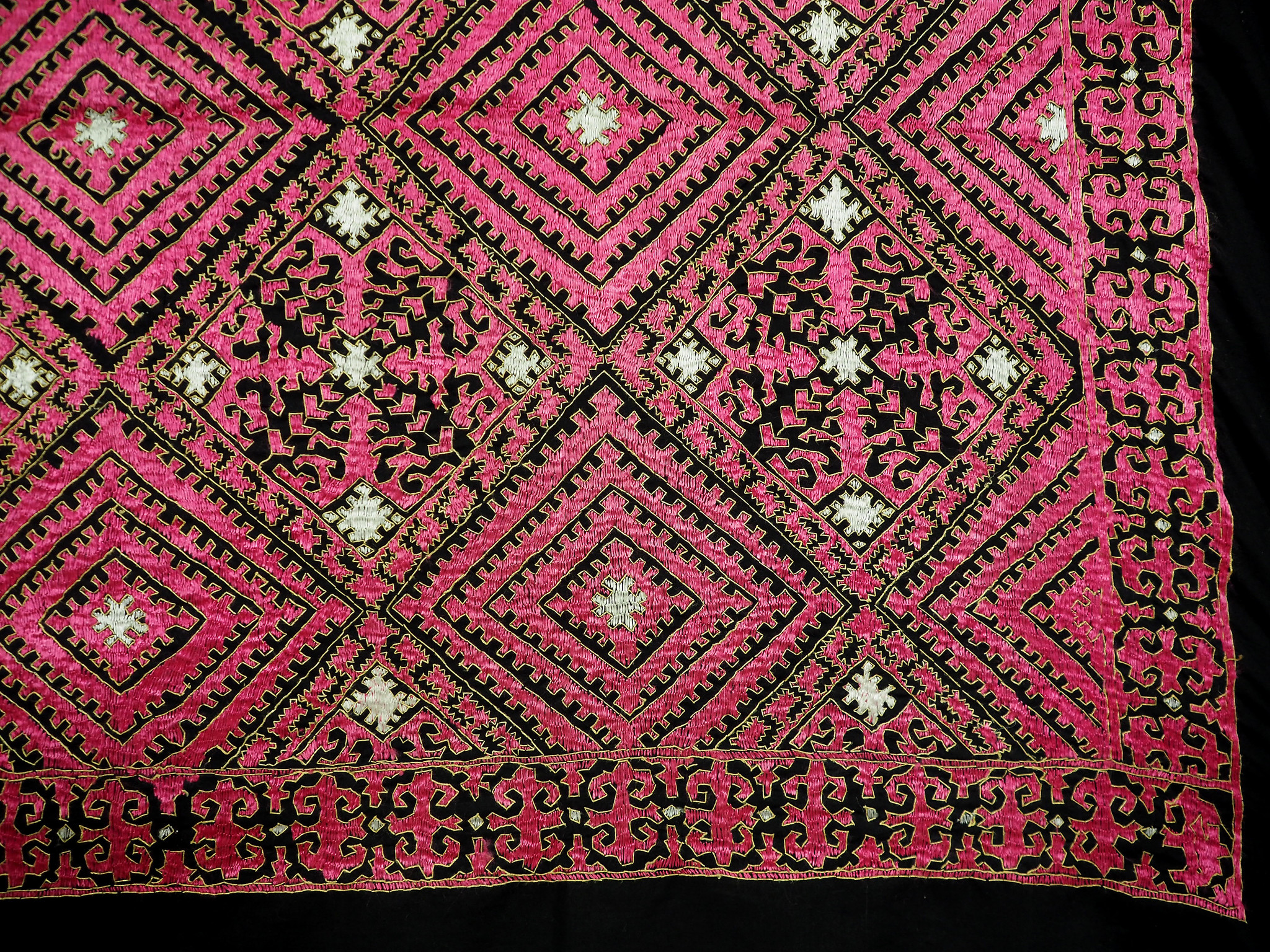 225x225 cm silk embroidered Pulkari  Bed coverlet  Swat Valley