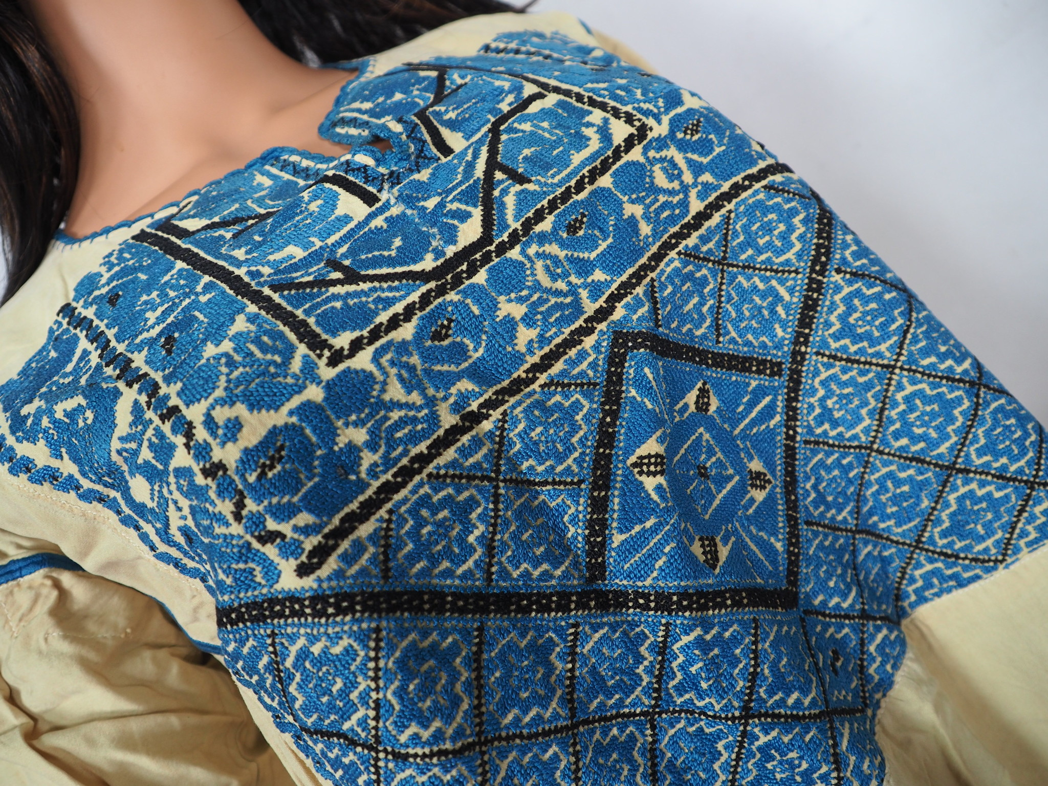 Palestinian girls embroidered ethnic dress No:9