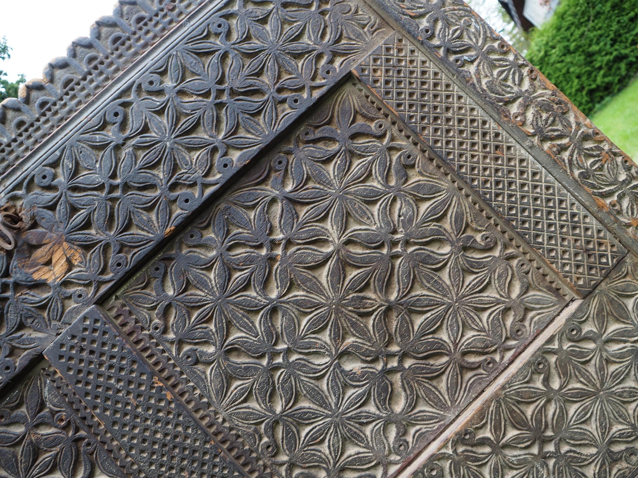 antik orient Massivholz Landhaus Bauernschrank Hochzeit Truhe aus Nuristan Afghanistan 19 Jh.Nr-1