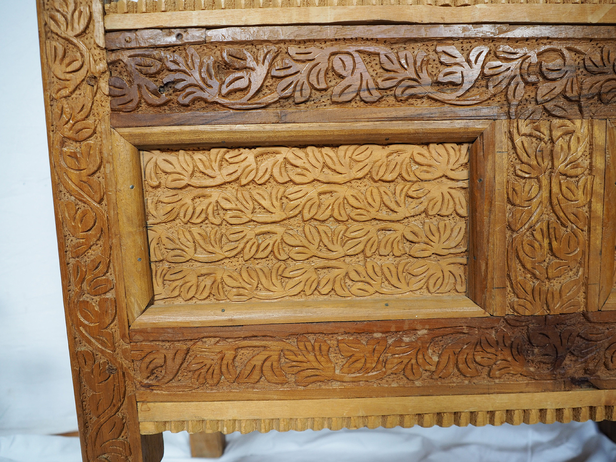 antique orient vintage cedar wood treasure Dowry Chest from Afghanistan Kabul Istalif No:B