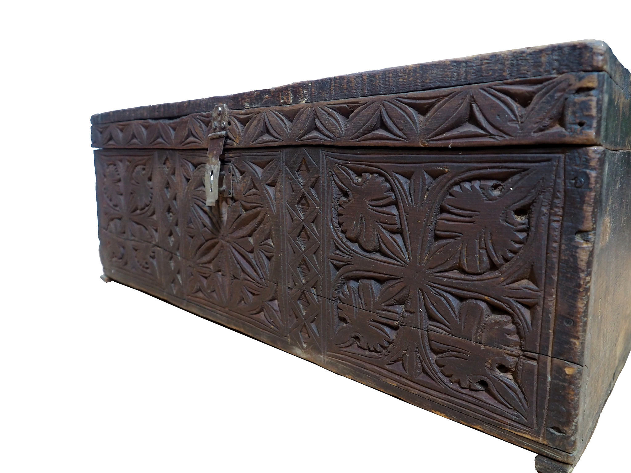 antique 19th century orient vintage cedar wood treasure Dowry Chest from Nuristan Afghanistan NO:20/G