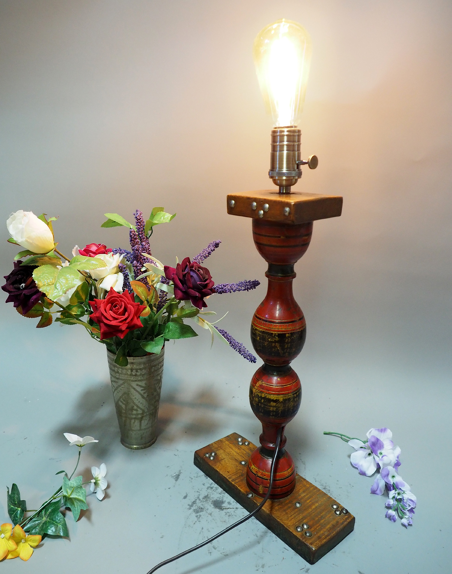 Antique handpainted stunning Vintage Lacquerware wooden Table Lamp with Vintage light fitting from Afghanistan / Pakistan No:21/6