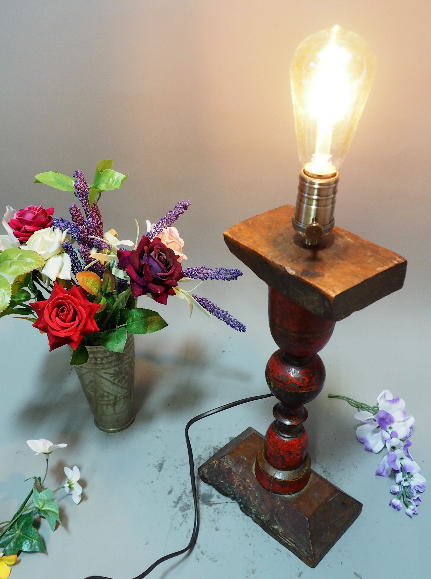 Antique handpainted stunning Vintage Lacquerware wooden Table Lamp with Vintage light fitting from Afghanistan / Pakistan No:21/8