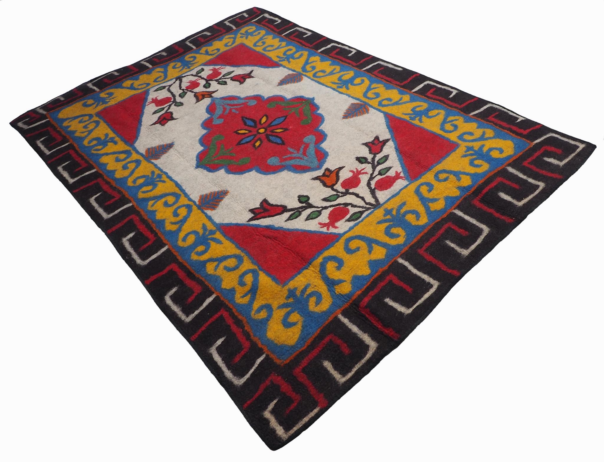 296x210 cm  tribal Nomadic Turkmen nomads Vintage felt rug rug from Afghanistan feltrug carpet shyrdak No-701