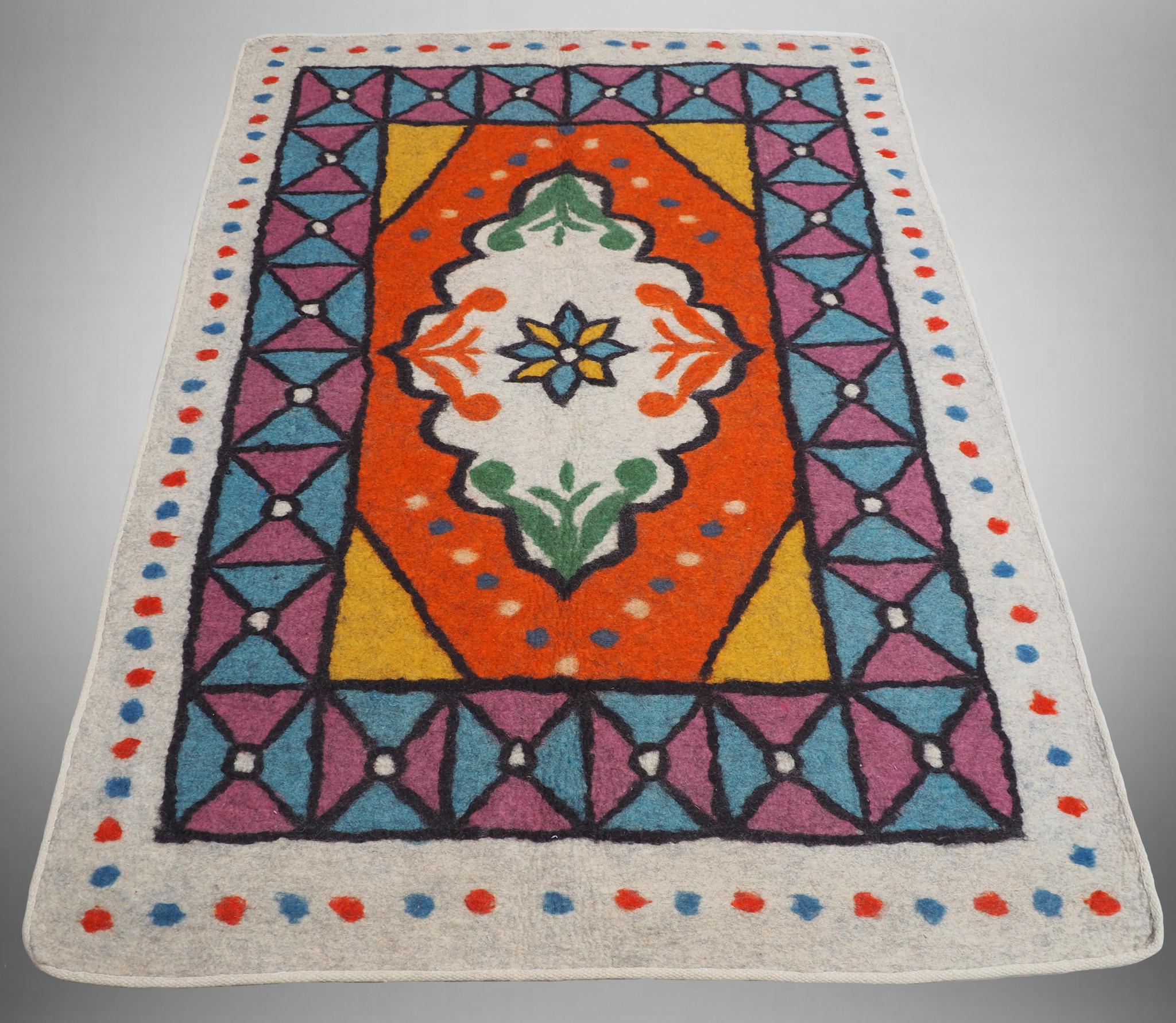 202x149 cm  tribal Nomadic Turkmen nomads Vintage felt rug rug from Afghanistan feltrug carpet shyrdak No-697