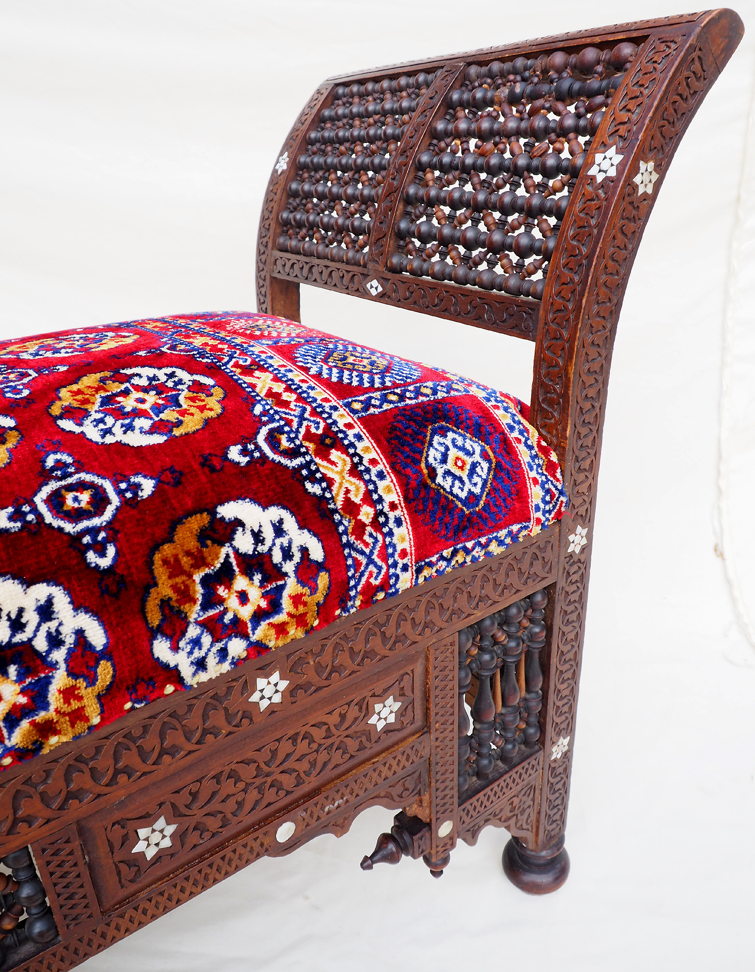antique orient islamic vintage Carved Walnut Bench Inlaid With Mother-of-pearl  carpet From Damascus, Syria Moorish art 21C