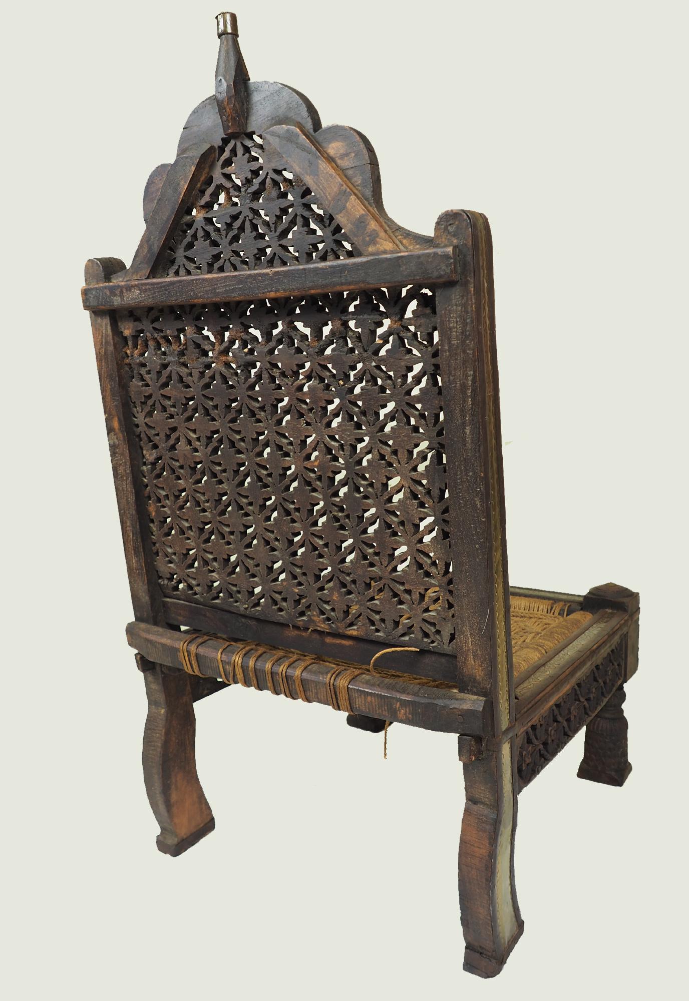 Antiker indischer Pida Stuhl