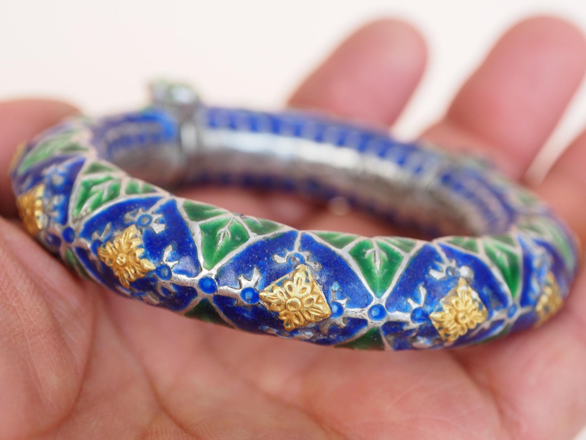 Antique handmade vintage Enamelled and Gold cuff Bracelet Multan and Sindhi Pakistan Jhanjhar No-21/WL